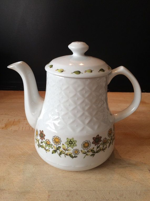 Alfred Meakin Sweet Meadow Teapot - rare (free shipping)