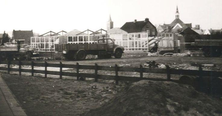 De christelijke kleuterschool werd gebouwd  aan de Groeneweg (later ook Piet Heinstraat genoemd). De school stond ongeveer op de plaats van de Spindeflat  tegenover de zijingang van het oude gemeentehuis.