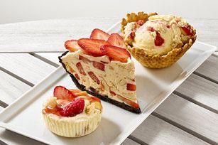 Une recette facile, trois délicieuses variantes! Cette garniture au fromage à la crème et aux fraises vous permet de faire une tarte, des tartelettes ou des bols gaufrés. Peu importe votre choix, le résultat sera délicieux!