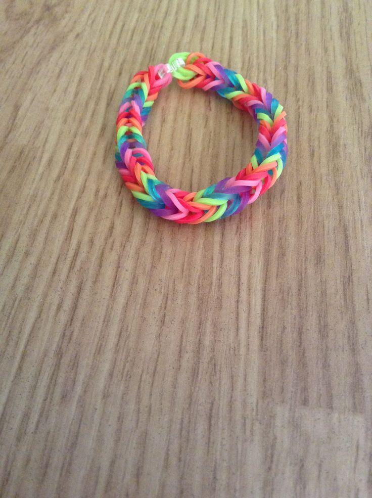 Mijn loom armband - rainbow loom