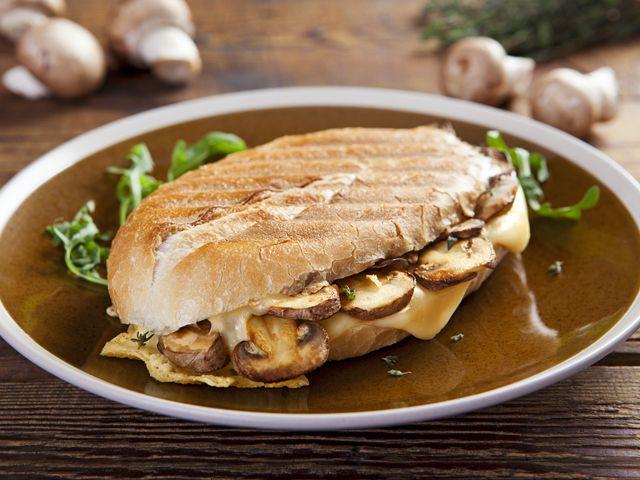 Gombás sajtos panini - Receptek   Ízes Élet - Gasztronómia a mindennapokra