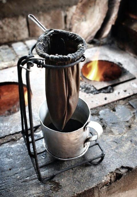 Colando Caf 233 Brewing Coffee Some People Still Prefer It