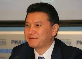 FanaticoE4: Kaspárov pierde las elecciones para la presidencia...