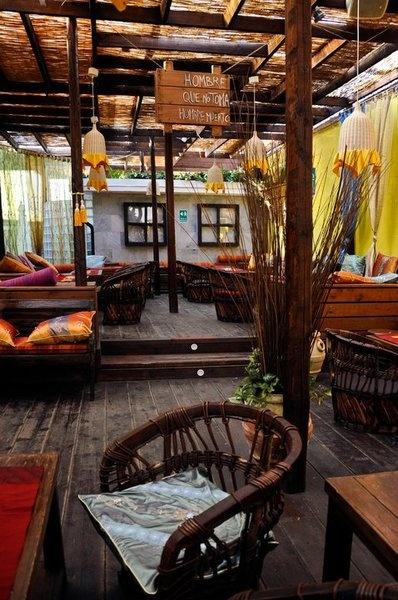Un ambiente straordinario al ristorante brasiliano Ta Bonito - Via Schievano, 10 - Milano (MI)