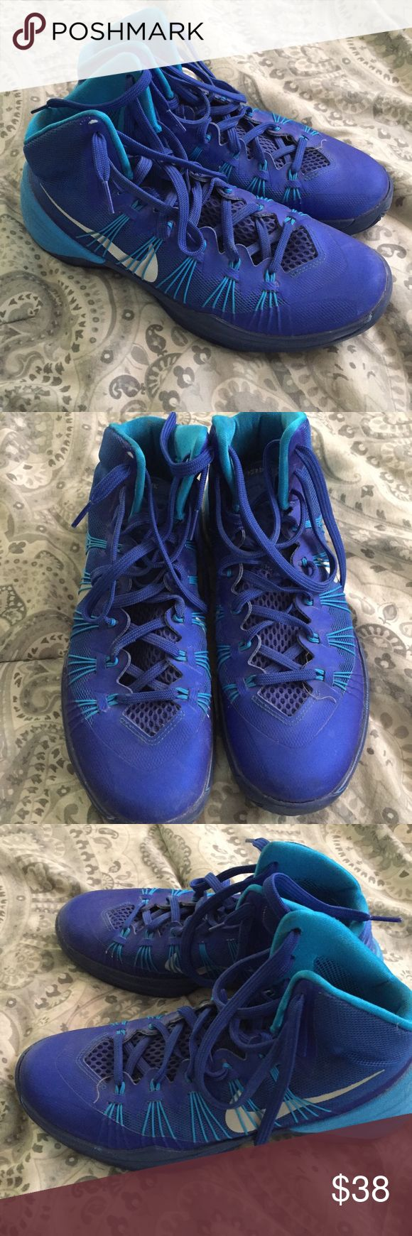 Hyper dunk bball shoes Hyper dunk high top basketball shoes. Men's 8...women's 9. Great condition! Nike Shoes Athletic Shoes
