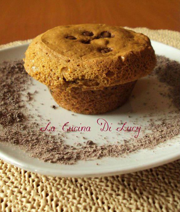 Muffin Alle Arachidi Con Gocce Di Ciocccolato.