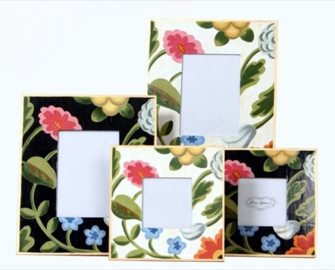 Floral frames: Flower Pictures, White Flowers, Home Accessories, Flower Frame, Decorating Ideas, Black Flower, Dana Gibson, Picture Frames, Craft Ideas