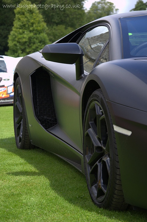 Aventador   -- why does matte black make me weak in the knees?