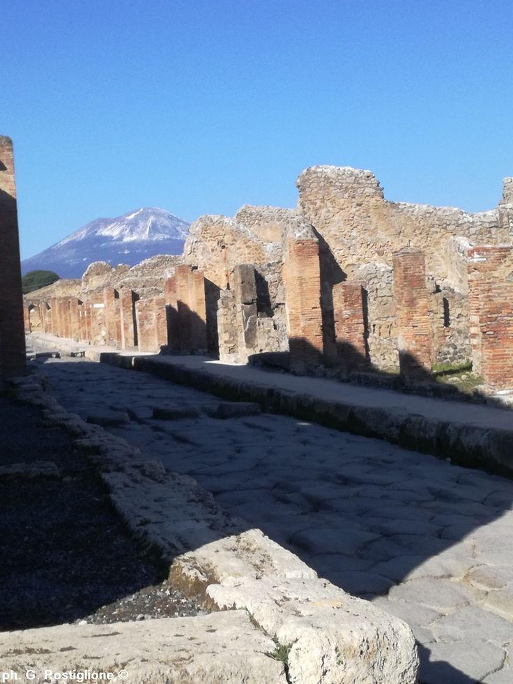 Ancient street in Pompeii City (Naples)  - ph. Giovanni Postiglione