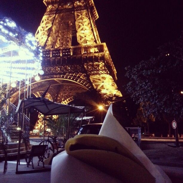 Eiffel tower and crepe