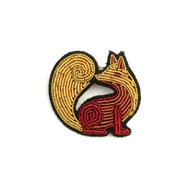 Hand Embroidered Russian Red Fox Brooch (1.730 RUB) ❤ liked on Polyvore featuring jewelry, brooches, red brooch, red jewelry, fox jewelry, pin jewelry and red jewellery