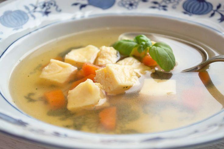 Das #Rezept von einer #Eierstichsuppe ist etwas aufwendiger, da der Eierstich im Wasserbad zubereitet wird.
