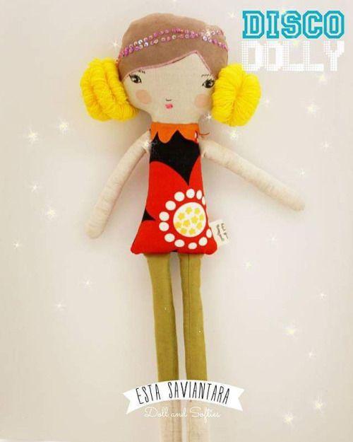 Disco dolly | Tinggi 45 cm | bahan : katun linen; suede imitasi; katun jepang; benang wol; benang sulam; payet; silikon | harga IDR 165k  #boneca #handmade  #doll #dolls #dolanan #softies #softoys #softoy #fabric #madeoffabric #linendoll #linendolls