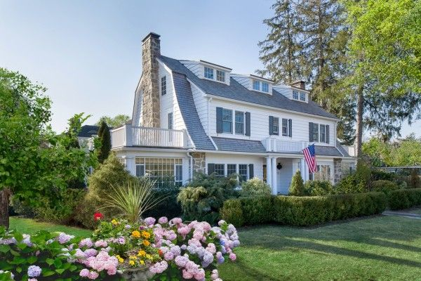 An Artist's Abode: Modern Meets Traditional | La Dolce Vita   It is a 1921 Dutch Colonial and was beautifully remodeled by architect Robert Keller and decorated by Robertson's interior designer wife, Kimberly Gieske