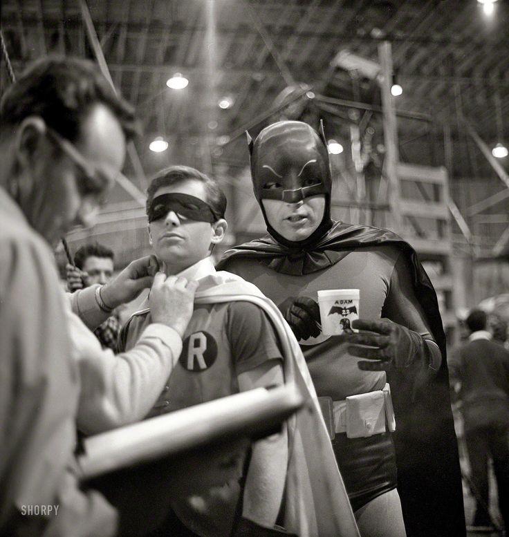 16 Interesting Vintage Photos of Adam West and Burt Ward on the Set of 'Batman: The Movie' in 1966