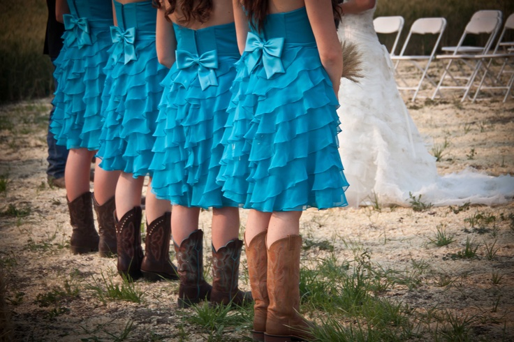 Turquoise country western wedding & boots!  Photo by Jessica @MockridgePhotography