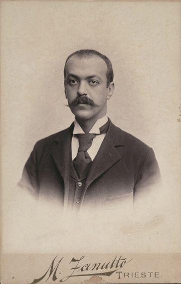 Italo Svevo all'epoca del suo fidanzamento con Livia Veneziani (1896) Trieste, Museo sveviano.