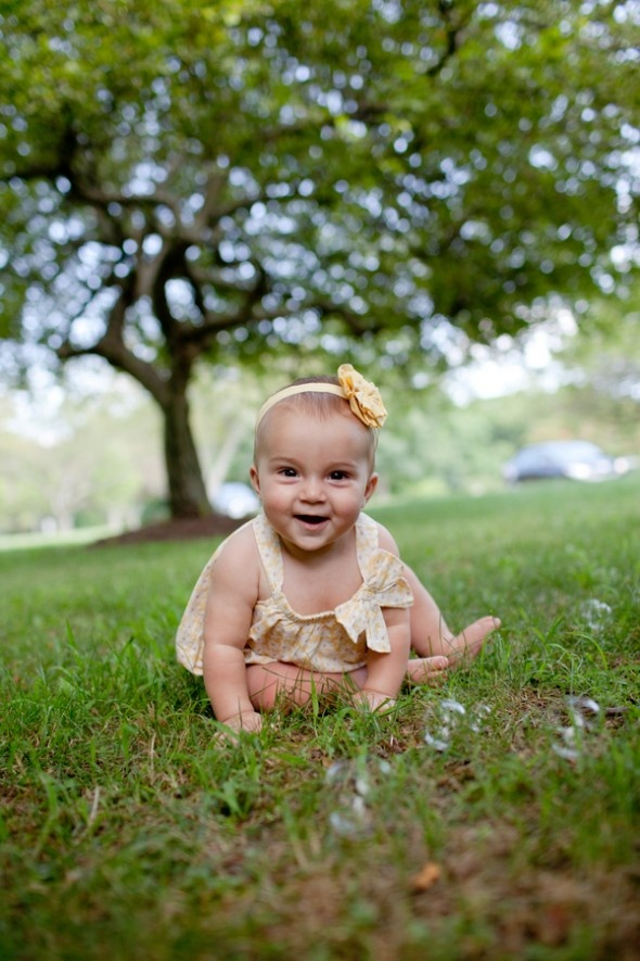 Bubbles! Summer Family Photo Shoot in Park by Zenobia Studios