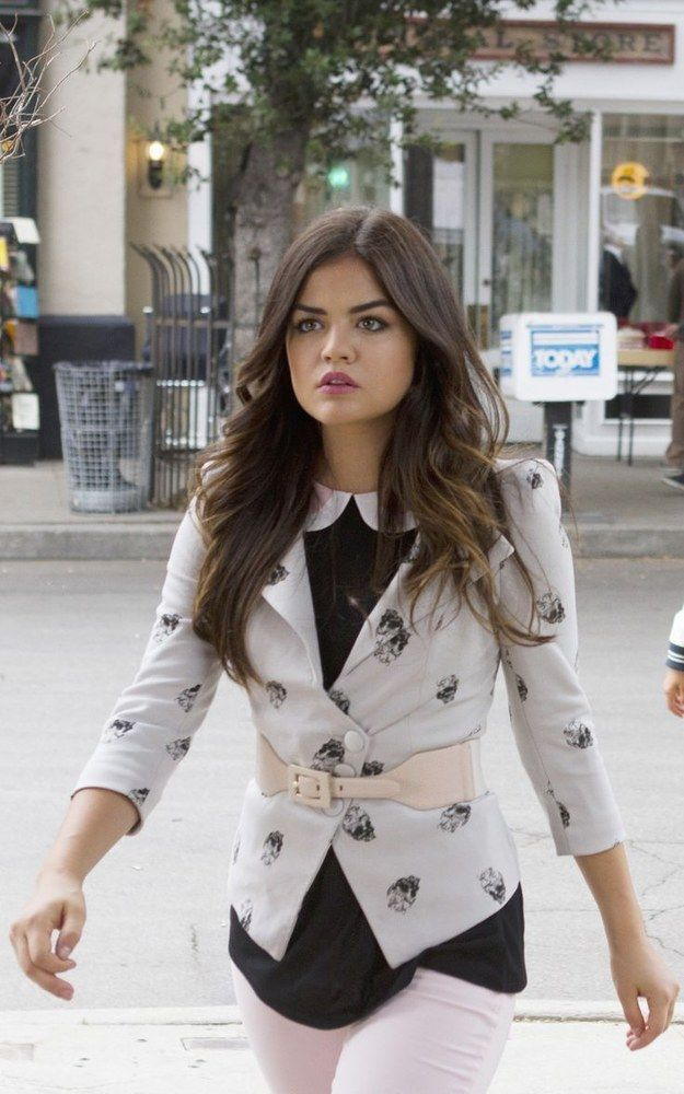 "That time she wore this powerful blazer and reminded us that Aria is never to be messed with: | 31 Times Aria From ""Pretty Little Liars"" Gave Us Fashion Goals"