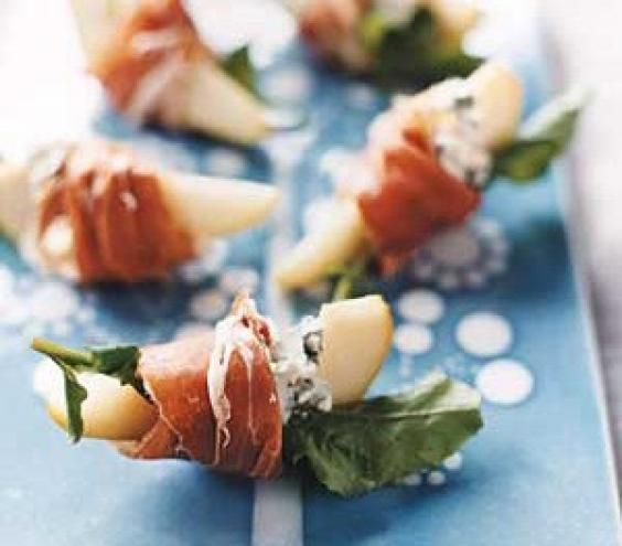An easy, yet elegant #appetizer, Pears with Blue Cheese + Prosciutto! {can use peaches, cantaloupe or honeydew instead} // Real Simple- #EasyAppetizer