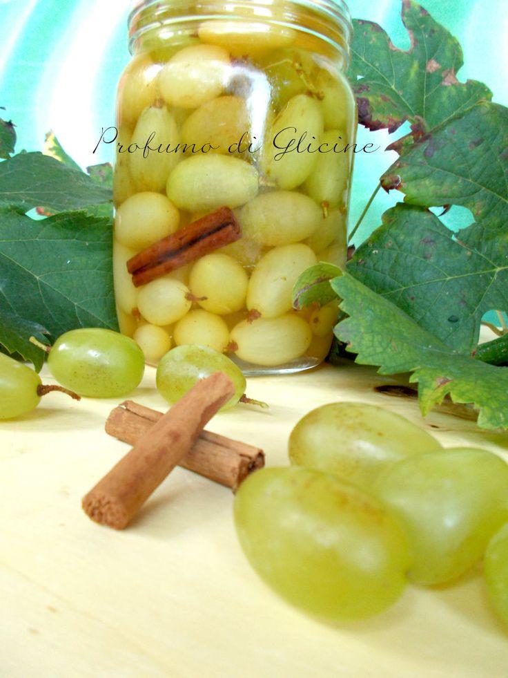 Potete rendere l'uva alla grappa più speziata aggiungendo alla cannella 2-3 chiodi di garofano o 2-3 bacche di anice stellato.