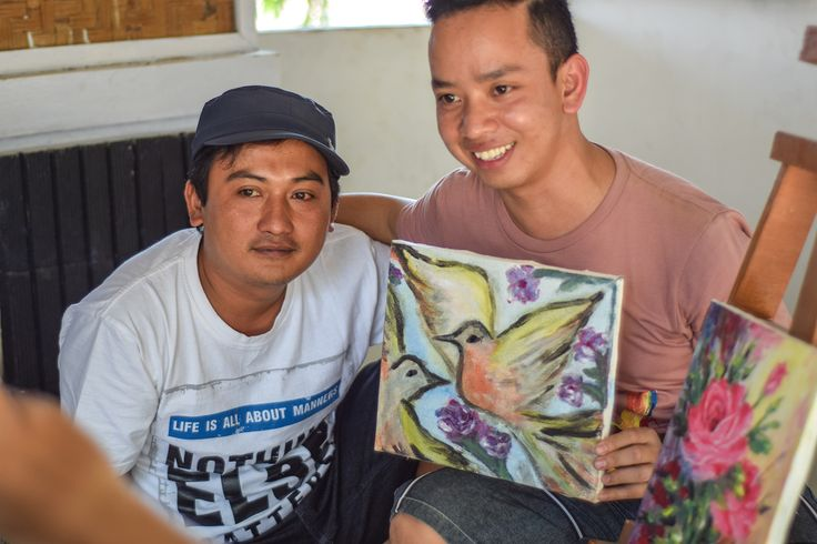 Alad is posing with the local painter, while showing his (Alad) paintings. Every Jelekong Visitors can attend painting course held by the local painters, #FabLab #AIESEC #trip #village #culture #puppet #wayang #bandung #paintings