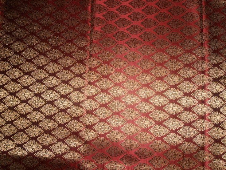 100% Pure SILK BROCADE FABRIC BLACK,Indian Red & Metallic GOLD Colour