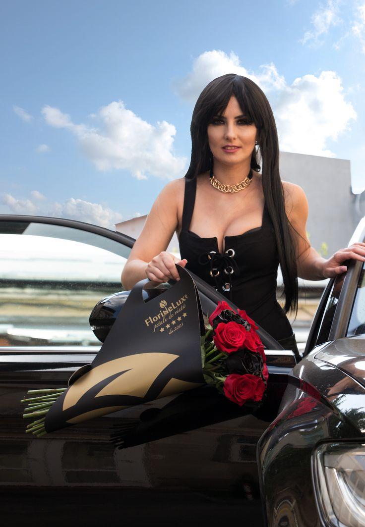 Nu uitati unde gasiti cele mai elegante si frumoase flori online: doar pe https://www.floridelux.ro/!! Abia asteptam sa cream impreuna cele mai speciale surprize, oriunde in Romania! Pentru ca doar la #floridelux ai livrare gratuita oriunde, inclusiv in sate!