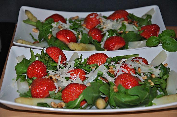 Spargel - Erdbeer - Salat, ein gutes Rezept aus der Kategorie Frühling. Bewertungen: 146. Durchschnitt: Ø 4,5.