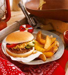 Western-Burger: Süße Trommeln, Lasso-Nudelsalat und Western-Burger: Da greifen Indianer und Cowboys gemeinsam an – und zu. Denn deftige Burger, die die Kinder selber belegen dürfen, schmecken während der Karnevalsparty ganz besonders gut – großes Indianer-Ehrenwort! http://www.daskochrezept.de/meine-familie-und-ich