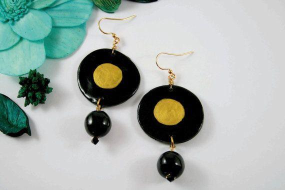 Orecchini cerchio sole nero oro fatti a mano di francescALKEKENGI