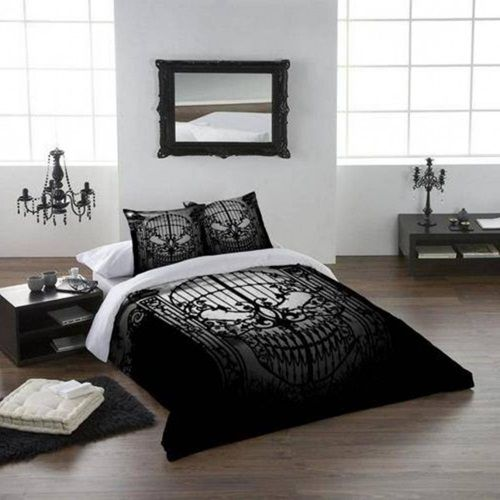 25 surprisingly stylish gothic bedroom design and ideas - Gotische Himmelbettvorhnge