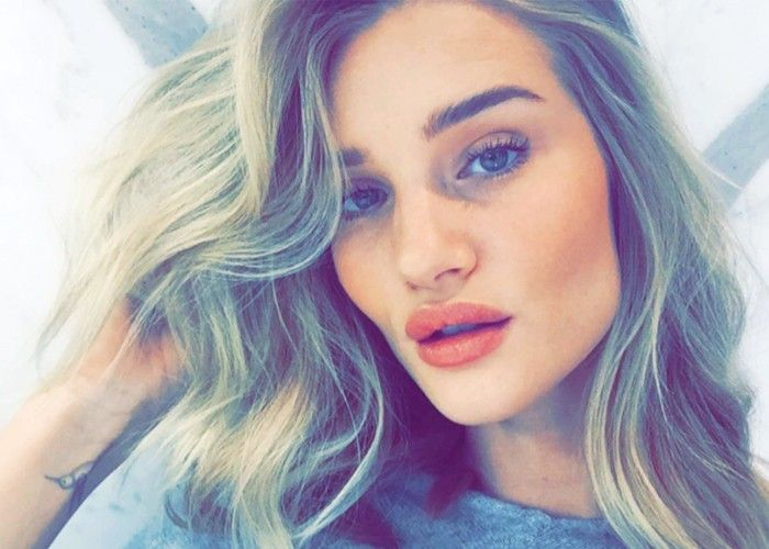 Rosie Huntington-Whiteley Shows Us Her Daily Makeup Routine via @ByrdieBeautyUK