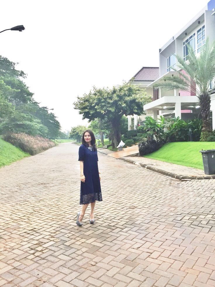 Simply blue dress with necklace   Follow my ig : liannasanjaya