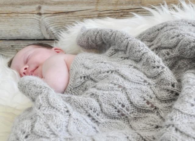 Hekta på strikk: Bellateppe til deilig baby