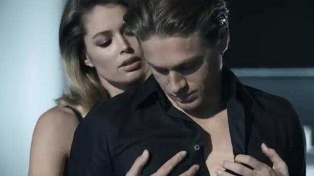 Badboys Deluxe Charlie Hunnam: Charlie Hunnam Calvin Klein Reveal Men's Fragrance