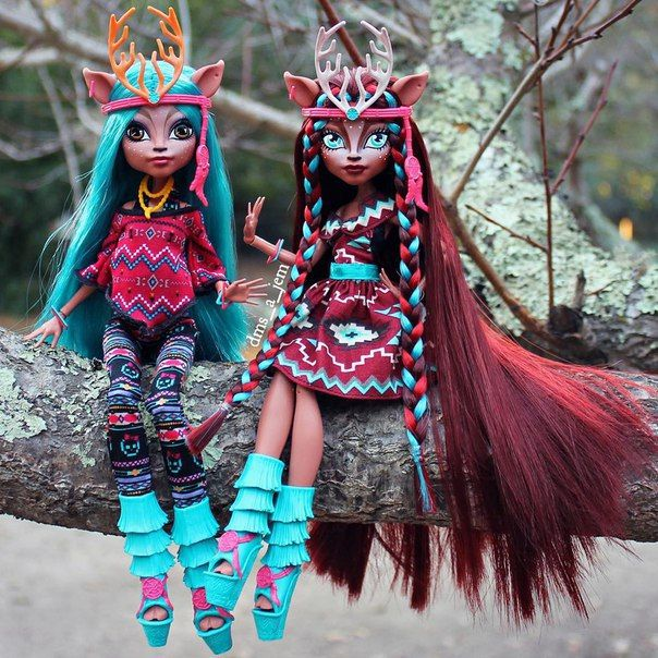 All about Monster High: Isi Dawndancer, original VS OOAK, Wich one you prefer?                                                                                                                                                                                 More