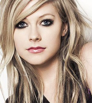 Avril Lavigne- so ya I think she's pretty much the most gorgeous chick on earth along with her amazing style<3