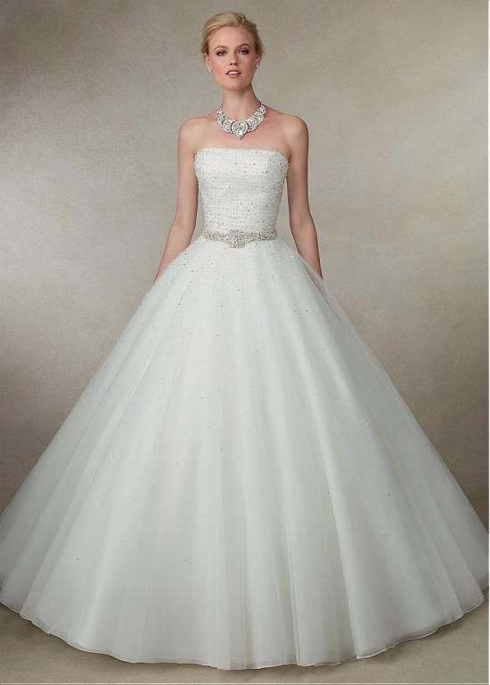 Glamorous Tulle  Strapless Neckline Ball Gown Wedding Dresses With Beadings