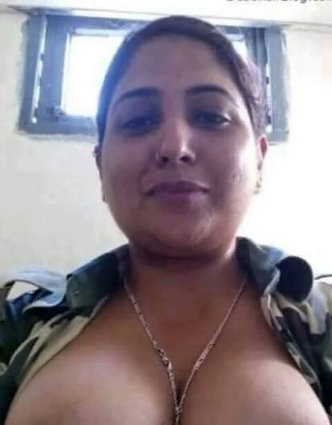 122 Best Boob,S Images On Pinterest  Boobs, Indian Girls And Indian Aunty-9954