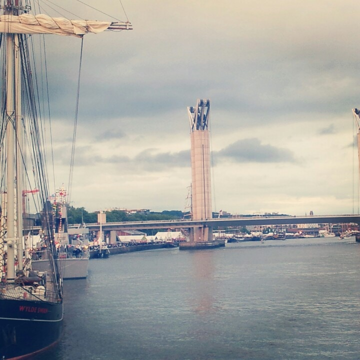#Rouen #laSeine #bridge #armada #2013 #boats #voilier