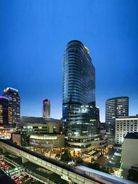 Linuxx service office for rent  The best 4 Location in BKK  Nearest BTS Station: Chongnonsi Station Exit 5 (380 m. / Approx. 10 minute walk)  Nearest BTS Station: Phrom phong Station Exit 2 (260 m. / Approx. 2 minute walk)  Nearest BTS Station: Asok Exit 3 (350 m. / Approx. 10 minute walk)  Nearest BTS Station: Chitlom Station Exit 1 (200 m. / Approx. 2 minute walk)