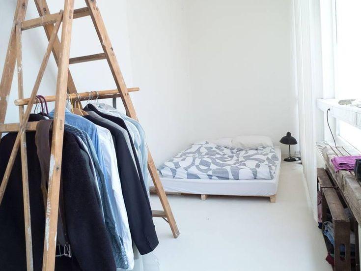 Lovely Leiter als Kleiderstange Kreative Idee f rs WG Zimmer WG Zimmer Kleiderstange