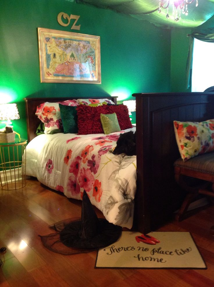 334 best images about the land of oz on pinterest for City themed bedroom ideas