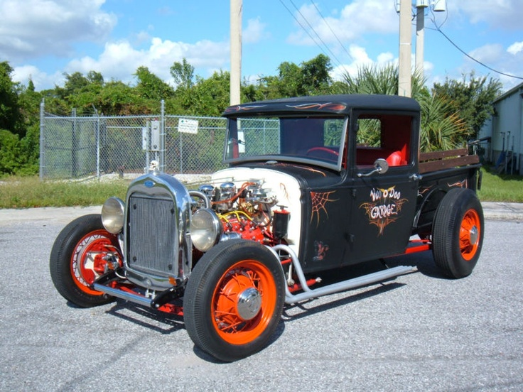 1930 ford rat truck, just perfect for some halloween cruising...