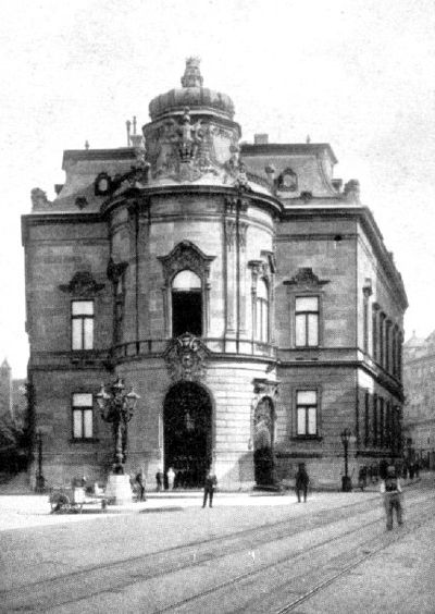 the entrance of the Wenckheim palace. This is one of the newest palaces in the district, constructed at the end of the 1880s - this is why they were forced to construct the palace in a weird trapeze shape