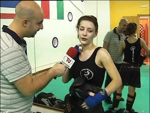 TG PRIMA - donne e boxe thailandese
