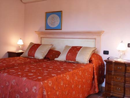 Holiday home in Lucca (Tuscany) Le Due Lanterne:The bedroom