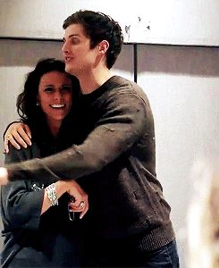 Daniel Sharman with actress Melissa Ponzio on stage at Team Wolf Con 3.  gif