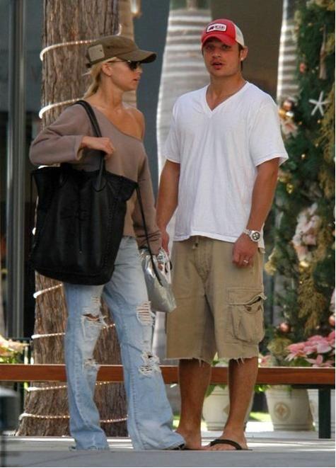 Jessica Simpson Jessica Simpson & Nick Lachey in Maui HI December 18 2004